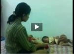 Info Terlengkap + Video  wanita memukulin BAYI kecil yang tanpaberdosa